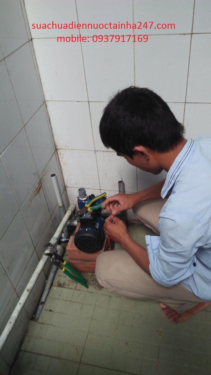 Rò rỉ điện là nguyên nhân thường xuyên gặp phải khi dùng máy bơm